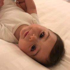New Cute Baby Indian Pictures Ideas Cute Little Baby, Cute Baby Girl, Mom And Baby, Little Babies, Baby Kids, Baby Girl Pictures, Cute Baby Videos, Cute Baby Pictures, Beautiful Children