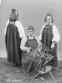 Galleri NOR; Nes 1880-1890 Traditional Outfits, Norway, Folk Art, Culture, Popular, Girls, Clothes, Fashion, Toddler Girls