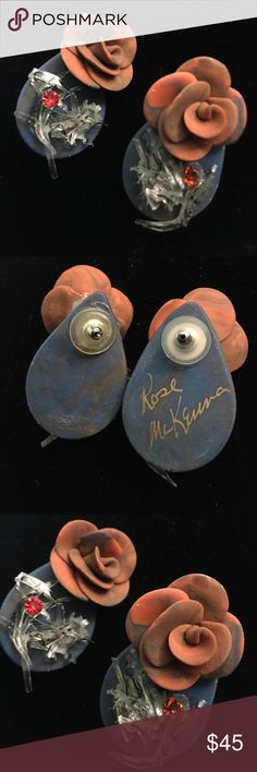 ROSE MCKENNA SIGNED VINT SIGNATURE ROSE EARRINGS RARE VINTAGE COLLECTOR EARRINGS BY ROSE MCKENNA SIGNATURE ROSE POST EARRINGS NEVER WORN MINT CONDITION ROSE McKENNA Jewelry Earrings