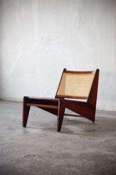 Pierre Jeanneret (Genève 1896 - Genève 1967)    Pair of Kangourou Lounge Chairs…