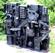 Google Image Result for http://childrensart.info/stacked-wall-sculpture/images/Louise-Nevelson-picasso-modern-art-childrensart-dot-info.jpg