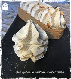The Ganache Montée Ivoire-Vanille - Je Veux des Gourmandises - It's been a while since I posted a basic pastry recipe. I'm fixing this with today's article: - Vanilla Ganache, Chocolate And Vanilla Cake, Chocolate Ganache, White Chocolate, Pastry Recipes, Cookie Recipes, Dessert Recipes, Dessert Empanadas Recipe, Cracker Toffee