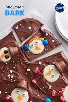 Looking for non-cookie Christmas treats? Look no further than this family-favorite snowman bark! It may look fancy, but all you need are 9 simple ingredients you can find in any grocery store. Christmas Deserts, Christmas Chocolate, Christmas Goodies, Christmas Candy, Christmas Decorations, Holiday Cookies, Holiday Treats, Holiday Recipes, Christmas Recipes