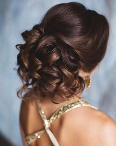 Wedding updo hairstyle idea via Elstile