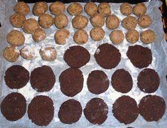 Biscotti vegani senza glutine con farina di ceci e cacao, castagnole con farina di castagne e nocciole tritate