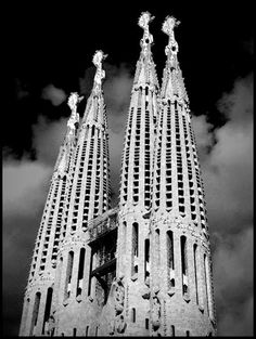 1000 images about barcelona in black white on pinterest barcelona sagrada familia and. Black Bedroom Furniture Sets. Home Design Ideas