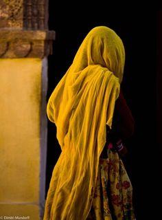 Il colore e' poesia dell'anima Cute Kids Photography, Indian Photography, Dark Photography, Girl Photography Poses, Rajasthani Art, Ariana Grande Drawings, Iranian Women Fashion, Muslim Beauty, Indian Folk Art