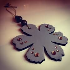 Tape Crafts, Crafts To Do, Hobbies And Crafts, Diy Crafts, Diy Christmas Gifts, Christmas Ornaments, Snowflake Craft, Brooches Handmade, Cute Diys