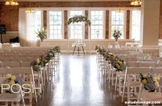 Briana & Jeffrey at Hollywood Schoolhouse – Seattle Wedding Flowers by POSH