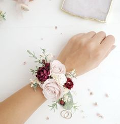 Garden roses, piones, berry, greenery and gypsophila. Wrist corsage is very easy, the fixation on ribbons. Homecoming Flowers, Homecoming Corsage, Bridesmaid Corsage, Prom Flowers, Bridesmaid Flowers, Bridal Flowers, Wedding Bouquets, Prom Corsage And Boutonniere, Boutonnieres