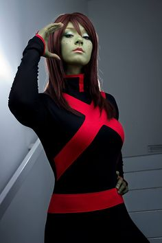 Miss Martian (from Young Justice) by Aigue-Marine Cosplay