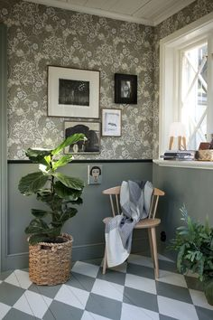 Discover recipes, home ideas, style inspiration and other ideas to try. Design Retro, Country Interior Design, Bungalow Renovation, Painted Floors, Farmhouse Chic, Scandinavian Interior, Inspired Homes, Cozy House, House Colors