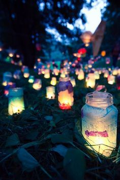 32 Stunning Summer Party Ideas You Need To Try Right Now - Modern Diy Outdoor Party, Outdoor Party Lighting, Outdoor Dinner Parties, Garden Parties, Summer Parties, Lighting Ideas, Festival Garden Party, Festival Themed Party, Garden Party Decorations