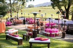 This is the PERFECT Mehndi and Sangeet setting wedding – Outdoor Wedding Decorations 2019 Mehndi Party, Mehendi, South Indian Bride Hairstyle, Sitting Arrangement, Color Secundario, Haldi Ceremony, Wedding Decorations On A Budget, Traditional Indian Wedding, Indian Wedding Invitations