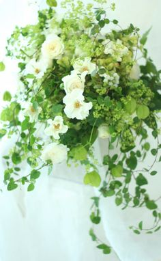 ブーケ クラッチ  一会、みどりの葉 : 一会 ウエディングの花