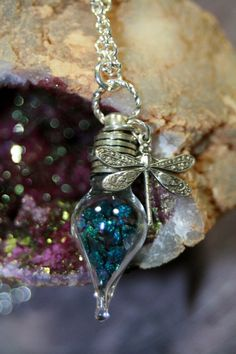 Just a little dragonfly jewelry porn for me ~Charlotte (PixieWinksFairyWhispers) Bottle Jewelry, Bottle Charms, Fairy Jewelry, Bottle Necklace, Unique Jewelry, Jewelry Accessories, Handmade Jewelry, Dragonfly Necklace, Dragonfly Pendant