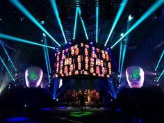 Per presentare tutte le possibilità sui nuovi device, #Huawei ha offerto uno #spettacolo nato dalla co-creation di #artisti e #performers di fama internazionale, dando vita ad uno #show imperdibile di #fotografia, ritratto e #performance musicali. #milano
