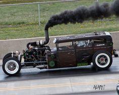 O Rat Rod diesel mais conhecido do mundo - http://ratrodbrasil.blogspot.jp/2012/07/o-rat-rod-diesel-mais-conhecido-do-mundo.html