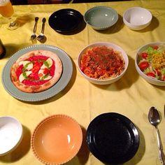 ささやかですが、あり物でクリスマスディナーです✨ - 34件のもぐもぐ - シーフードトマトクリームパスタ、マルゲリータ、サラダ by tabajun