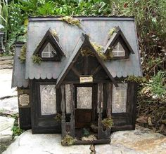 Dollhouse Minis: Spellweaver Witch's Shop by Lisa Kline