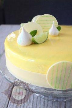 Je vous avais promis que la prochaine recette serait une recette d'entremets. Et bien, la voilà! Mieux encore, ce n'est pas une ancienne recette sortie de derrière les fagots pour me dépanner. Non non, c'est une toute nouvelle recette que j'ai réalisé récemment. Un entremets au citron et au basilic, tellement bon que j'ai eu … … Lire la suite → Mango Mousse Cake, Mango Cake, Patisserie Fine, French Patisserie, Fancy Desserts, Delicious Desserts, Yummy Food, Entremet Recipe, Cake Recipes