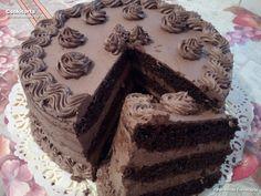 A csodálatos gluténmentes torta receptet olvasónk, Péter-Vincze Éva küldte. Elkészítése nem könnyű, de fenséges az eredmény. Finom és mutatós csokoládétorta