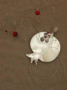 Christmas Crafts, Christmas Decorations, Xmas, Christmas Ornaments, Holiday Decor, Pomegranate, Objects, Metal, Pictures