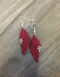 Macrame earrings Bordeaux red