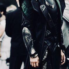 Loki Thor, Loki Laufeyson, Tom Hiddleston Loki, Marvel Avengers, Loki Aesthetic, Character Aesthetic, Aesthetic Photo, Arcane Trickster, Loki God Of Mischief