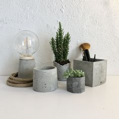 Hand Made Cement Objects Natural Materials, Cement, Planter Pots, Objects, Vase, Handmade, Design, Home Decor, Bonito