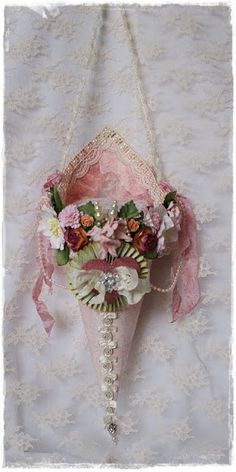 To scrap or not to scrap, that's the question.: Een ShabbyChic Tussy Mussy