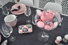 jak nakryć stół wielkanocny Snapchat, Easter, Cake, Desserts, Diy, Food, Tailgate Desserts, Deserts, Bricolage
