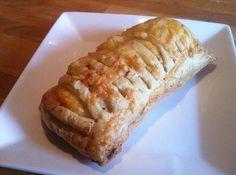 kaasbroodje met bladerdeeg. Wij hebben ze gemaakt en ze zijn heerlijk