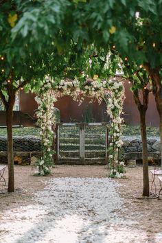 Photography: The Edges Wedding Photography - www.theedgeswed.com  Read More: http://www.stylemepretty.com/california-weddings/2015/04/08/modern-healdsburg-barn-wedding/
