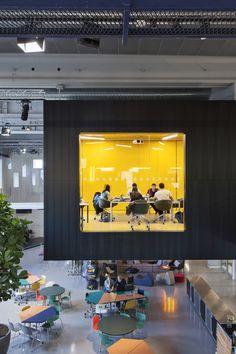 DTU Skylab / Juul Frost Arkitekter espacio cubo amarillo oficina
