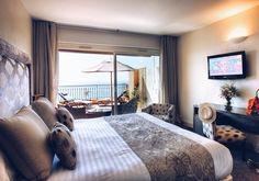 Meu quarto em Nice no @hotellaperousenice!  Muito bom com ótima localização e serviço impecável! O restaurante do hotel também é maravilhoso! O hotel faz parte da rede @smallluxuryhotels!  Próxima parada: Itália  #eurotrip #carolnaeuropa