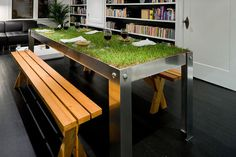 Indoor Picnic Table more a great idea than a funny picture. But doesn't matter: great work! Unique Furniture, Outdoor Furniture Sets, Furniture Design, Outdoor Decor, Cheap Furniture, Table Furniture, Deco Nature, Nature Decor, Nature Table