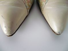 Vintage 1960s Gainsborough Shoes, Leather Pointed Toe Pumps, Almond with Copper Pink and Blue Paisley Print, Cutwork Detail, US Size 8N.  Etsy listing: https://www.etsy.com/listing/260788180
