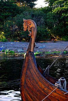 Viking figurehead | by mrpb27 Viking Dragon, Viking Ship, Viking Life, Viking Art, Viking Longship, Ship Figurehead, Viking Culture, Old Norse, Norse Vikings