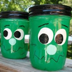 Invite everyone's favorite green monster to your Halloween festivities! With just a few supplies and a whole lot of fun, you can makes things...