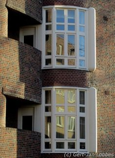Amsterdam School, Brick Detail, Gaudi, E Design, Netherlands, Art Nouveau, Buildings, Windows, Doors