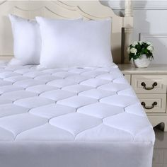 Overfilled Queen Mattress Pad Cover Deep Pocket Top Cooling Pillow Visit the image link for more details. (This is an affiliate link) Queen Mattress, Best Mattress, Mattress Pad, Mattress Covers, Latex Mattress, Silk Bed Sheets, Best Bed Sheets, Best Cooling Sheets