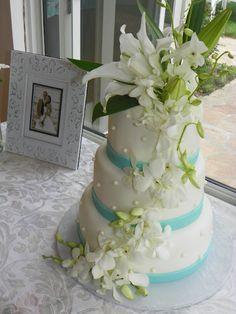 Pearl Studded Wedding Cake