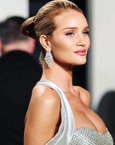 "220.6k Likes, 755 Comments - Rosie Huntington-Whiteley (@rosiehw) on Instagram: ""2017 Vanity Fair Oscar Party """