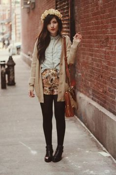FLORAL-8-1 Outfits with Floral Shorts - 40 Ways to Style Floral Shorts