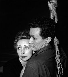 Jean-Louis Barrault et Madeleine Renaud   dans une représentation de la pièce L'Échange de Paul Claudel,   en 1951, au théâtre Marigny   © AKG-images/Daniel Frasnay