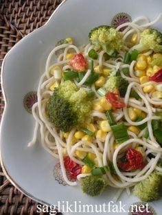 Brokolili Noodle Salatası