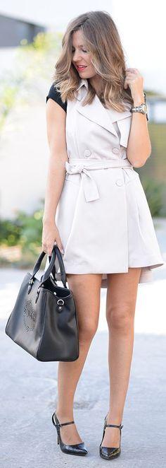 Sleeveless Trench Dress Fall Inspo by Mi Aventura Con La Moda