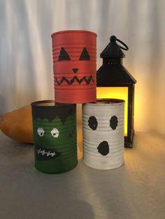 Audrey Marcelino sur Instagram: Je suis trop fière de mon DIY pour Halloween 🎃 toujours dans une démarche d'upcycling. #upcycling #DIY #halloweendecorations #halloween… Diy Halloween, Decoration, Diys, Upcycle, Planter Pots, Canning, Instagram, Decor, Bricolage