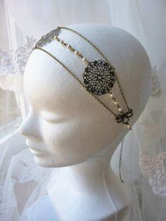 Headband mariage style retro inspiration Gatsby, Années Folles 1920's perles nacrées en cristal swarovsky crème avec : Accessoires coiffure par les-bijoux-d-aki